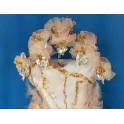 Robe de mariée garnie bonbonnières