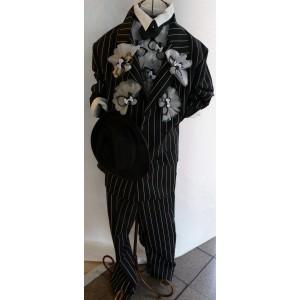 Bonbonnière originale sur costume homme