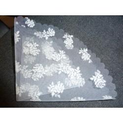 tulle blanc imprimé fleurs blanches